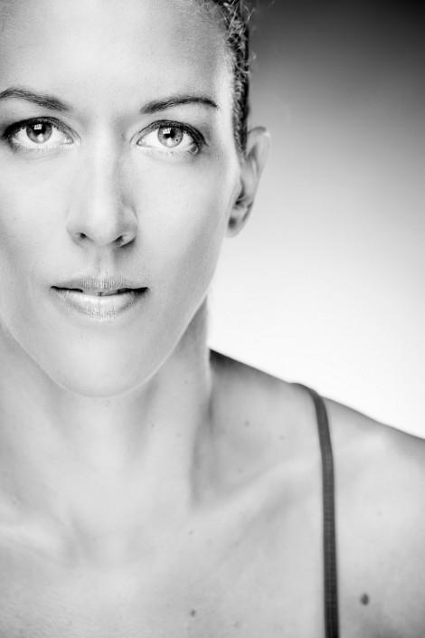 Beachvolleyballteam Schwaiger Hansel - Stefanie Schwaiger - Schwarzweiss Portrait